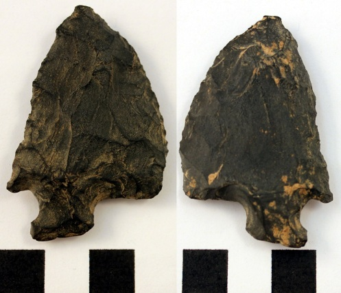 Siltstone knife (dorsal - left, ventral - right)